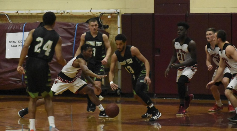 Knights get 22 points from Titus Smith in 69-58 win over CMCC
