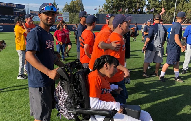 Titans Host Annual Miracle League Clinic on Wednesday