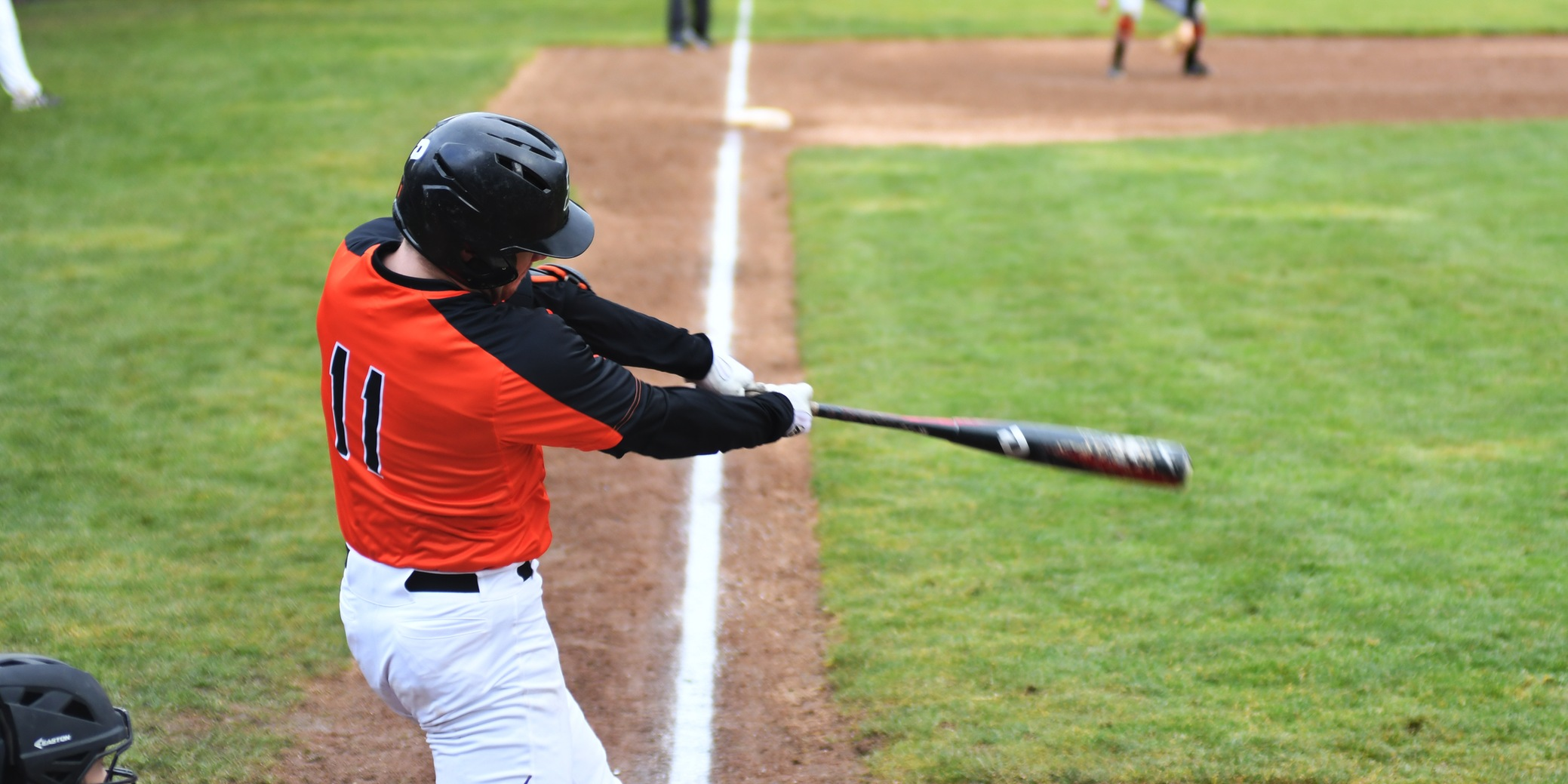 Pioneers fall short against Willamette despite season-high 13 hit performance