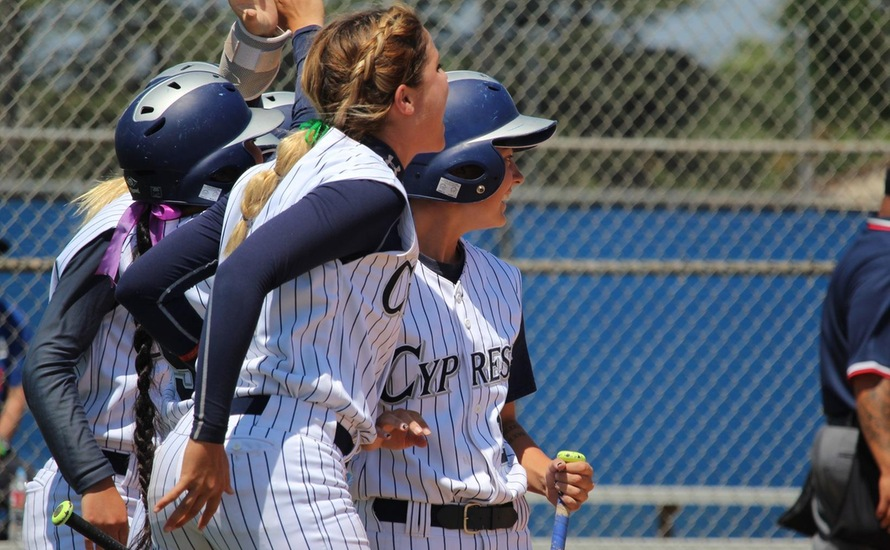 Chargers Fight Off Cougars in Super Regional, 5-1