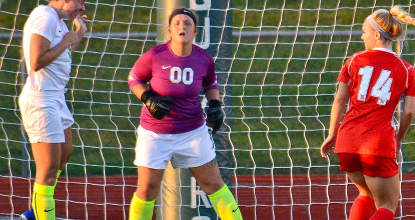Early miscue sends @DubC_WSoccer to loss