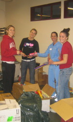 SCU Women's Basketball Volunteers At Sacred Heart