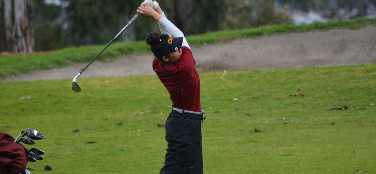 Freshman Amy Xue was the individual winner of the two-day dual with Redlands, shooting a 154