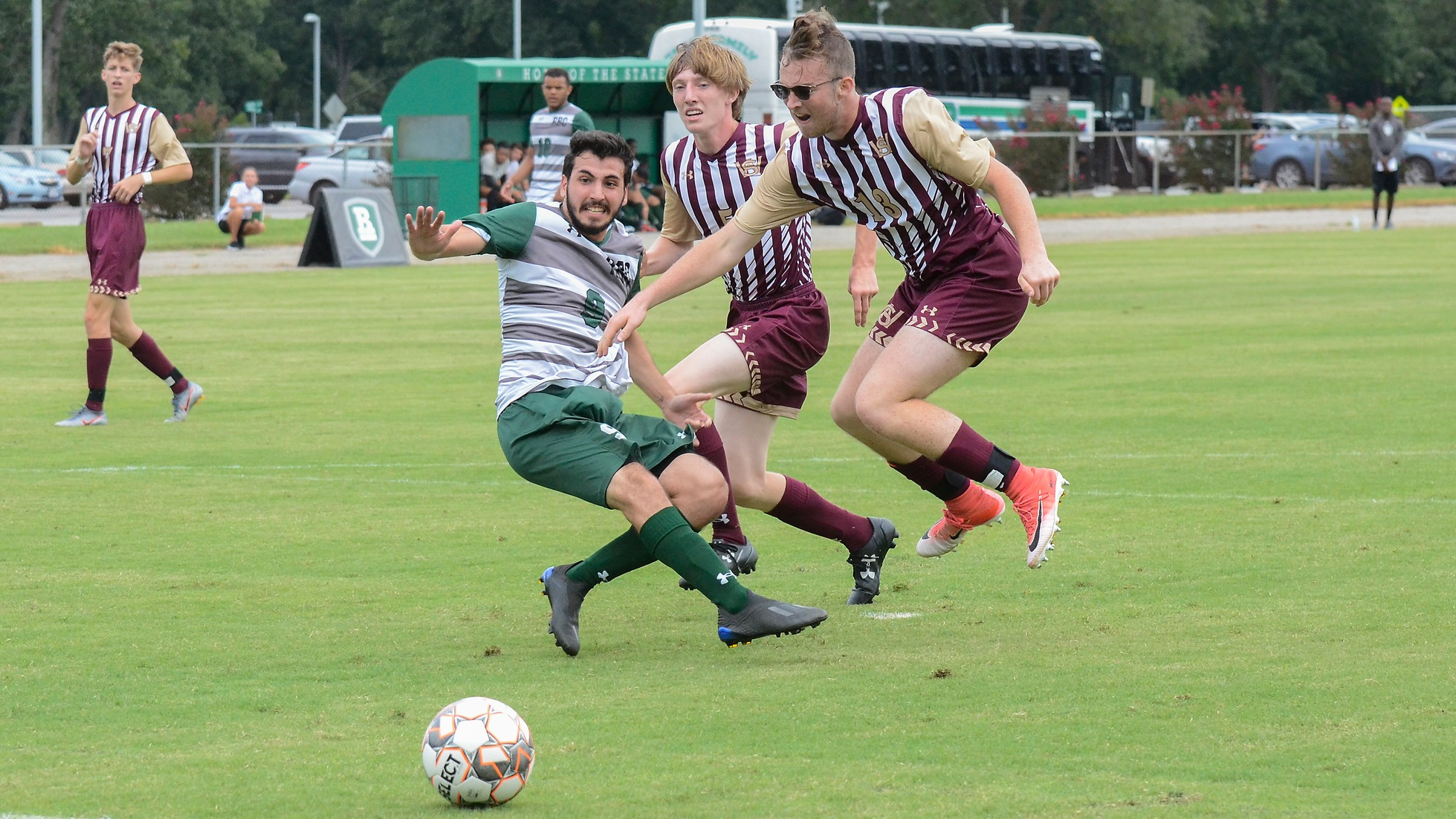 Early Lead Sets up Victory for Men's Soccer