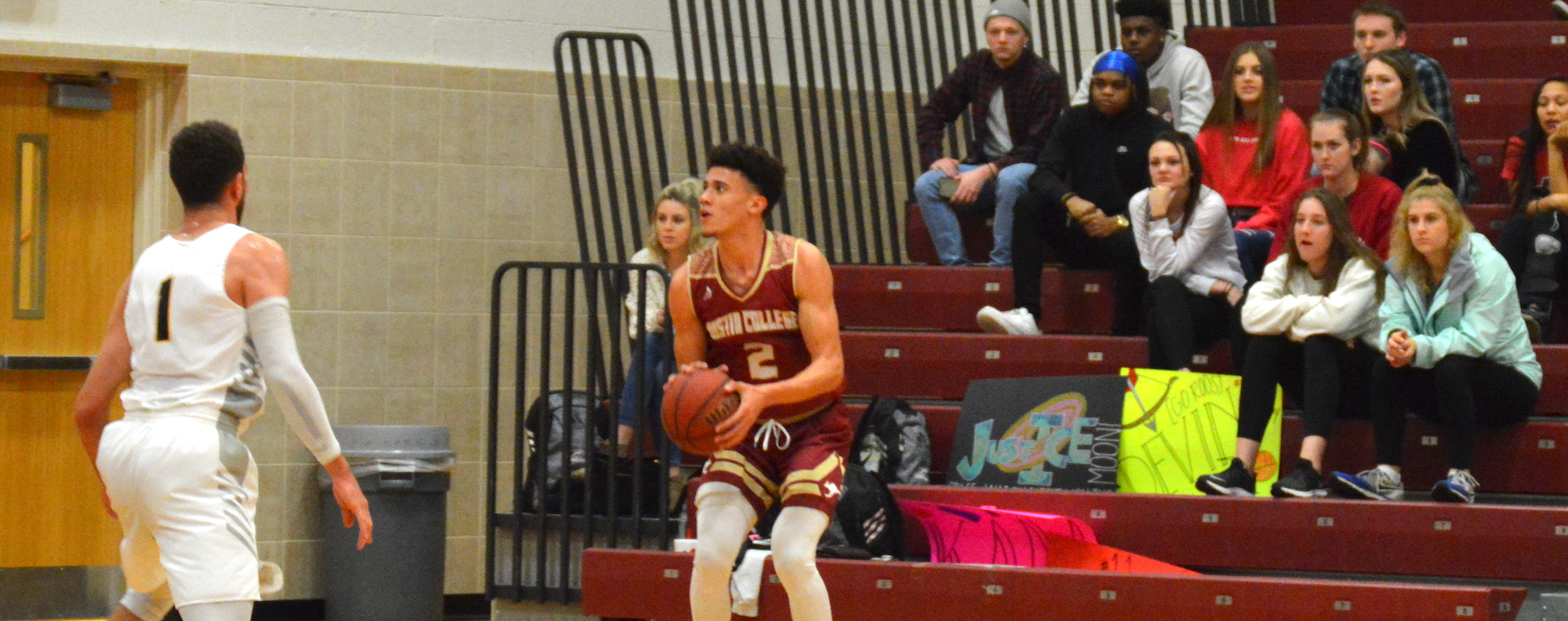 Men's Hoops Holds Off Colorado College