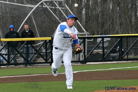 Baseball drops doubleheader at Aurora