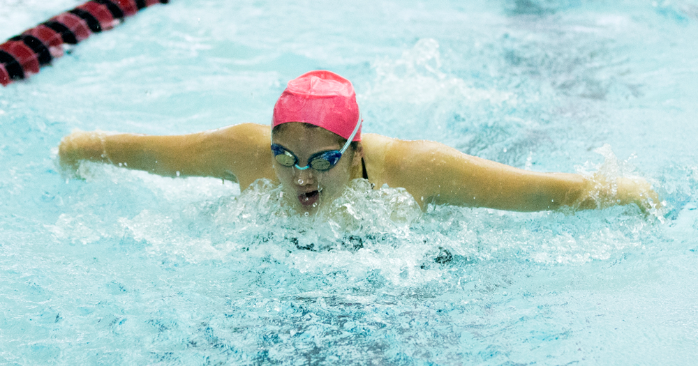 Women's Swimming Wins Yellow Jacket Invitational, Men Finish in Third Place