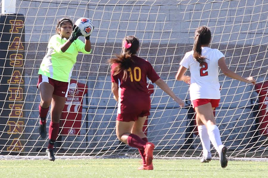Women's Soccer Finds Its Goalie In Chaffey Loss