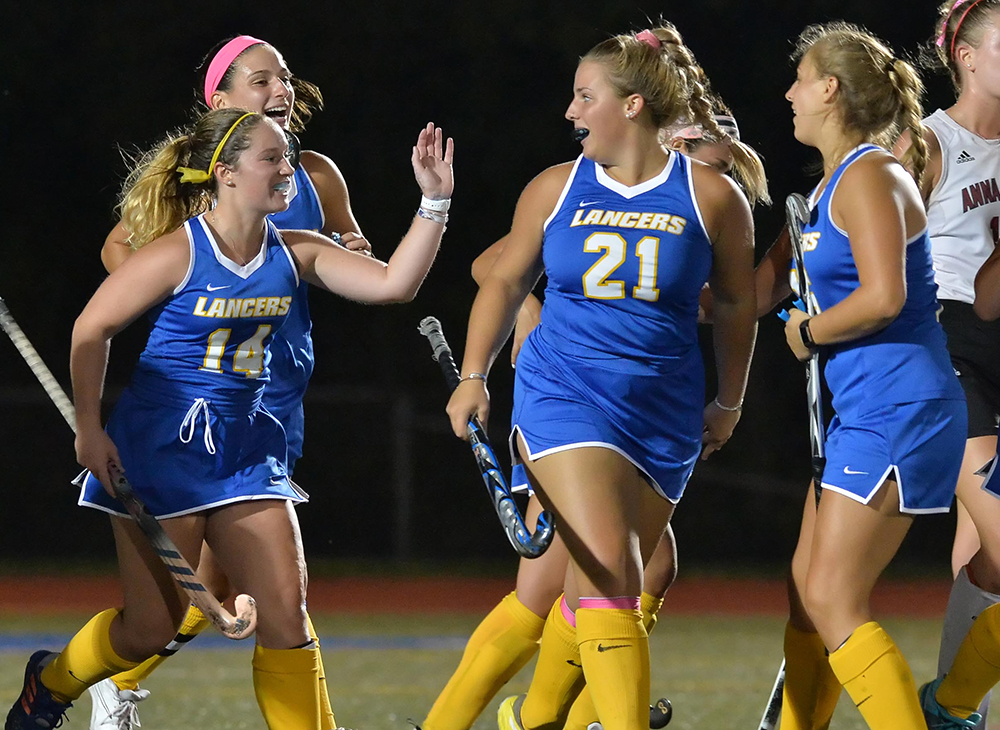 Field Hockey Cruises by Salem State