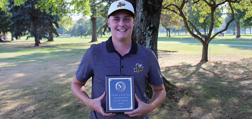 Jimmy Clark wins his first career medalist honor