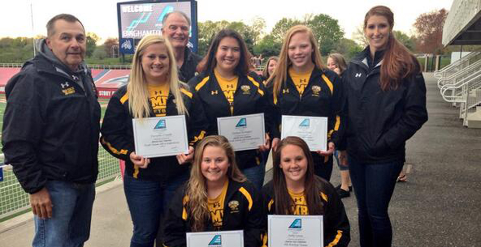 Softball Earns Five Awards at Conference Banquet