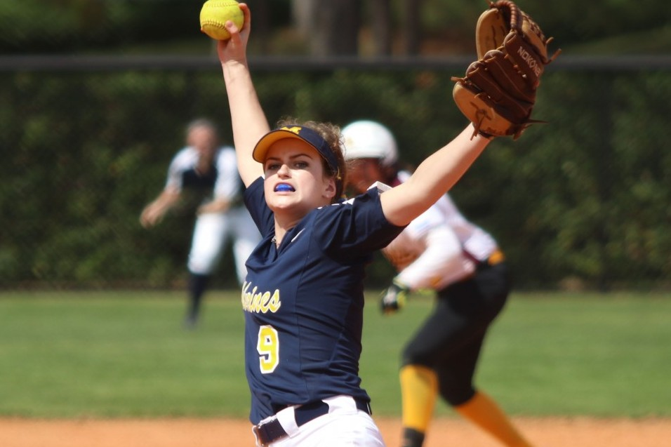Photo for Two big innings lead to sweep of Aquinas