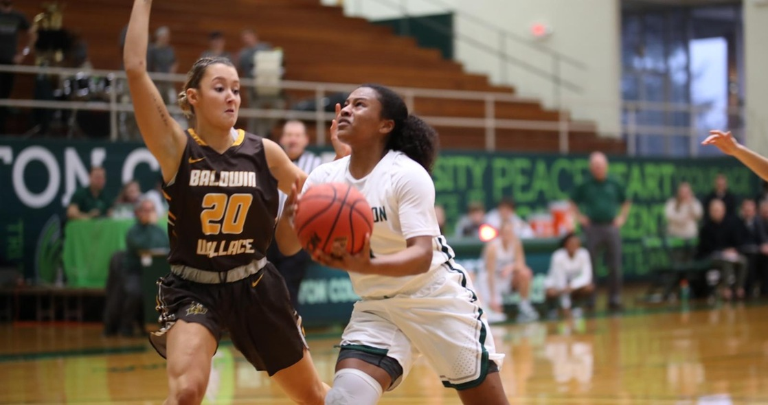 Women's Basketball Faces Road Test at No. 12 Baldwin Wallace on Saturday