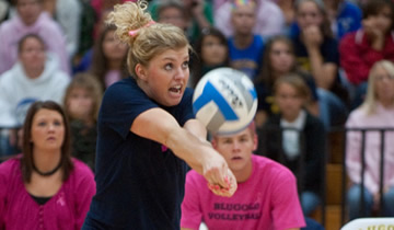 Volleyball Splits on Day One of Labor Day Classic