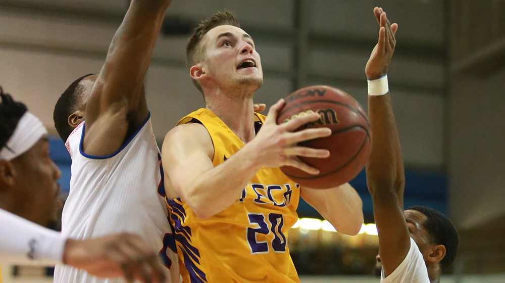Golden Eagles storm back to end 2018-19 campaign with victory at Eastern Illinois