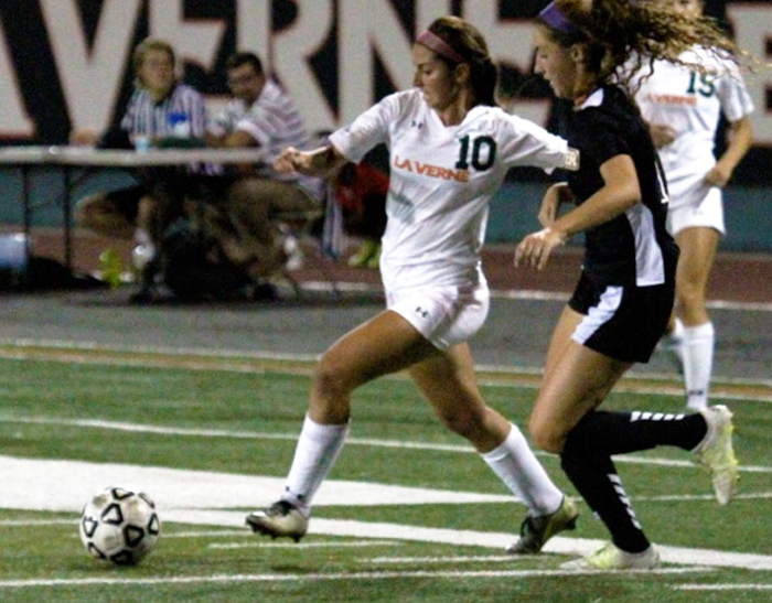 Women's Soccer drops to Whittier in overtime