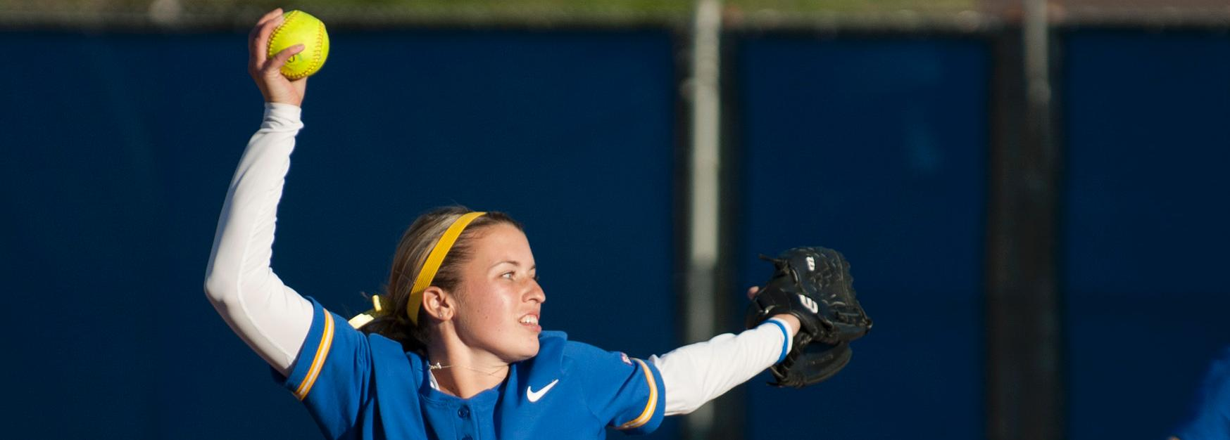 Krista Cobb Named Big West Pitcher of the Week