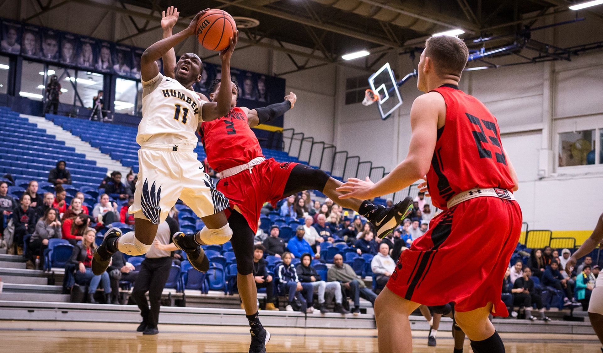 ELVIS' CAREER-HIGH LIFTS No. 3 HUMBER OVER FANSHAWE, 82-70