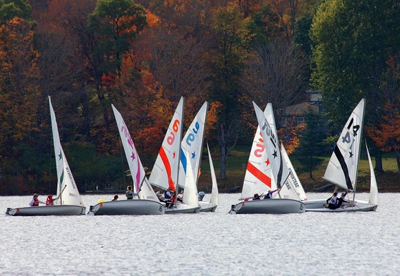 No. 2 Women's Sailing Takes Mrs. Hurst Bowl