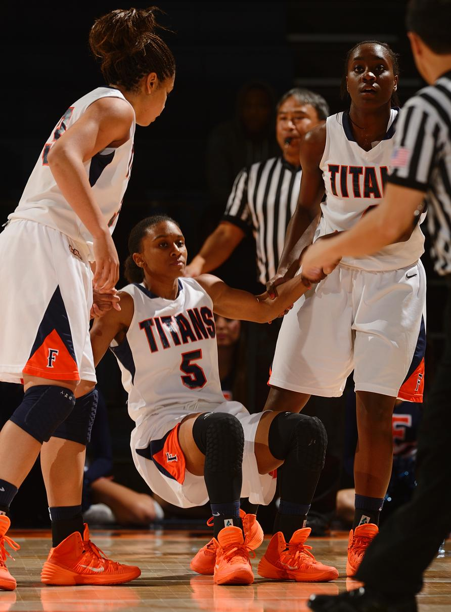 Cal State Fullerton vs. South Dakota (Nov. 8, 2013) - Cal ...