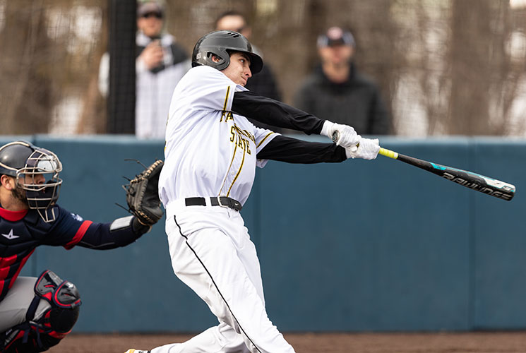 Baseball Walks Off with Game One Victory in Split with New England College