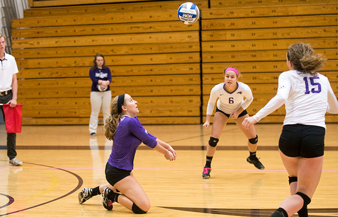 Women's volleyball falls to NE-10 leader Le Moyne