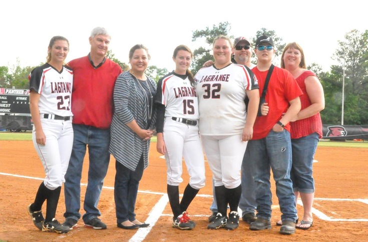 2016-17 Review/Softball: Panthers get walk off 4-3 win over Wesleyan on Senior Day
