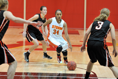 Reeves 3s lead Simpson over Wartburg