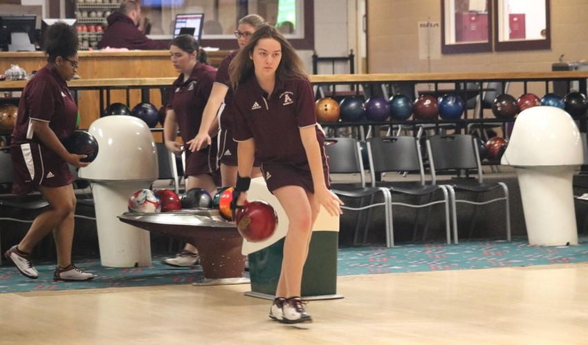 Bowling Has Strong Outing at American Heartlands I and II