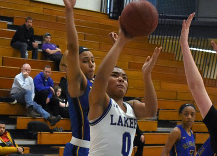 Strong finish in first half lifts Lakeland over Lorain County, 71-58