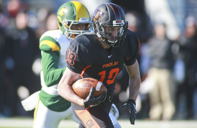 Late FG Gives Oilers 45-42 Win Over NMU
