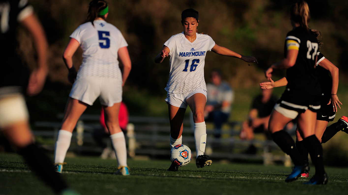 Early Goal Enough By Royals To Hold Off Women's Soccer In Home Opener