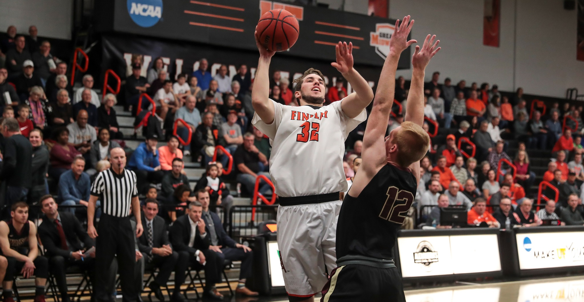 #17 Oilers Rally For 67-66 Win Over Walsh