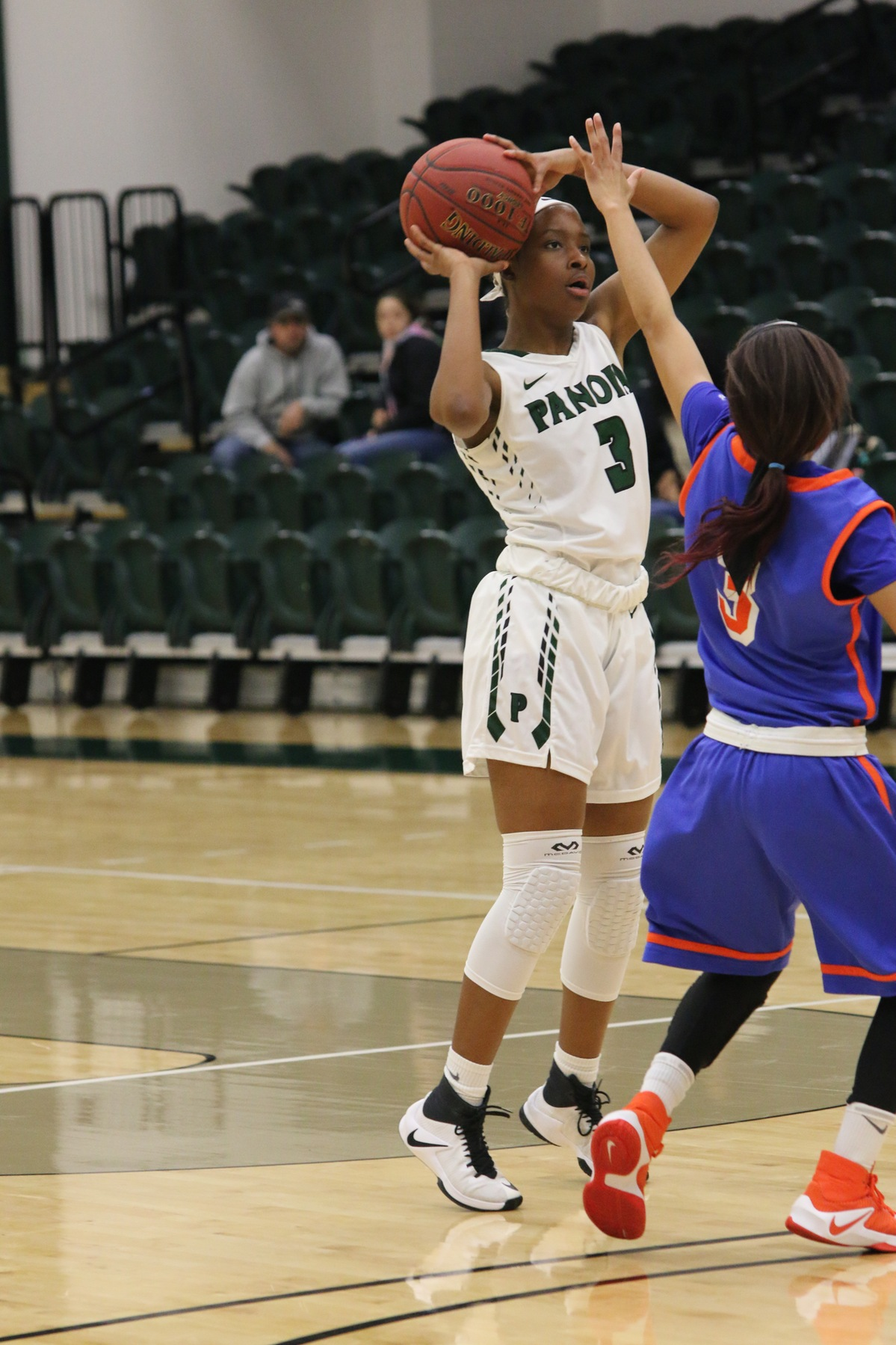 Sophomore Charlynn Perry hits 6 3-pointers on the night, and scoring a new career high of 21 points.