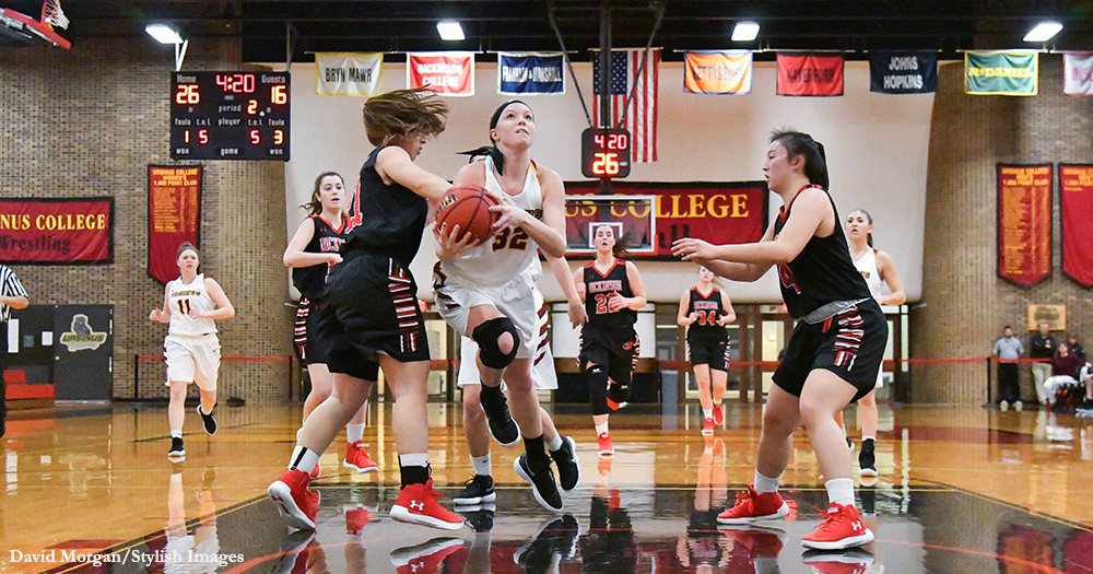 Women's Basketball Runs Away from Red Devils