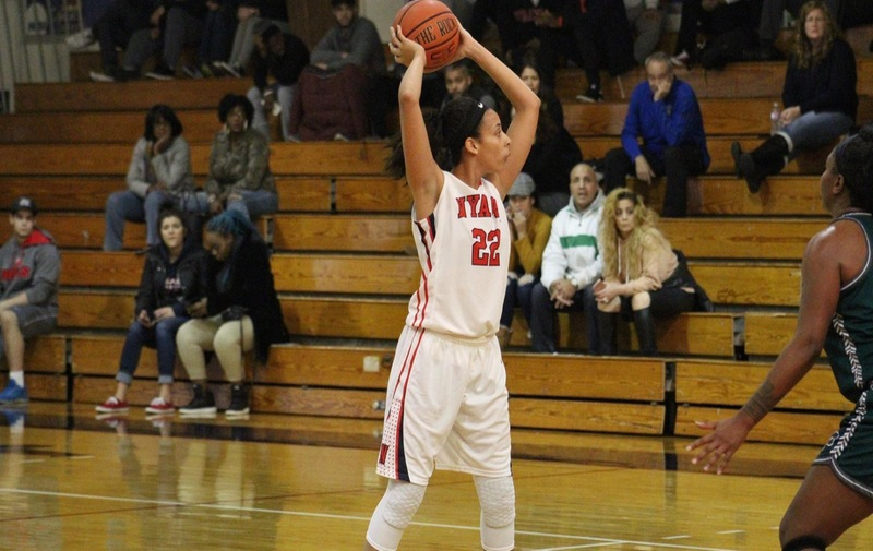 Jocelin Wright Records Double-Double in Loss to Felician