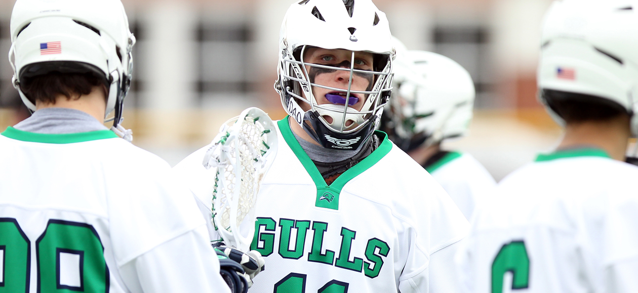 Morgan's Career Game Helps Endicott Defeat Middlebury 14-12