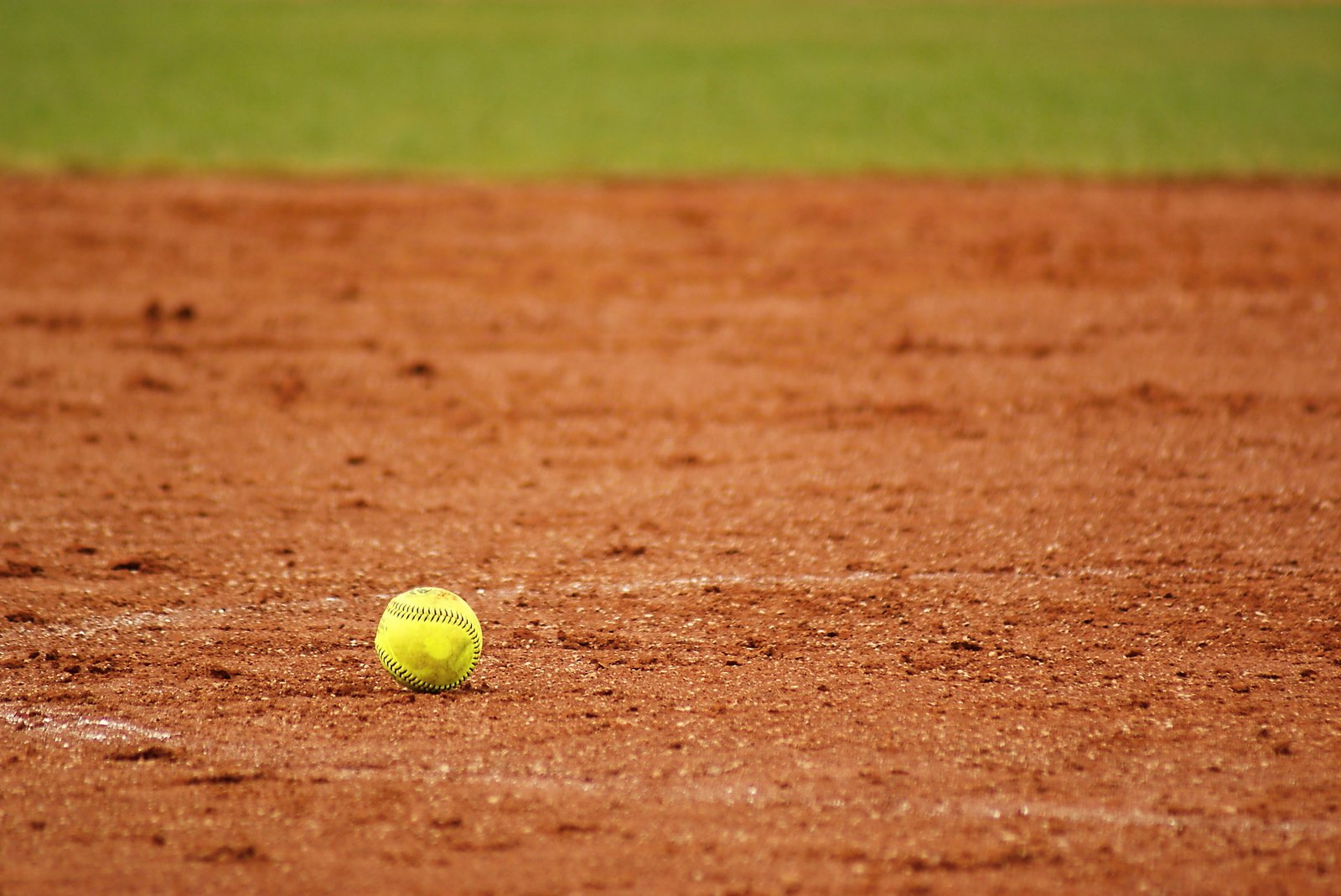 Softball Excited to Start Season at Glendale Tournament