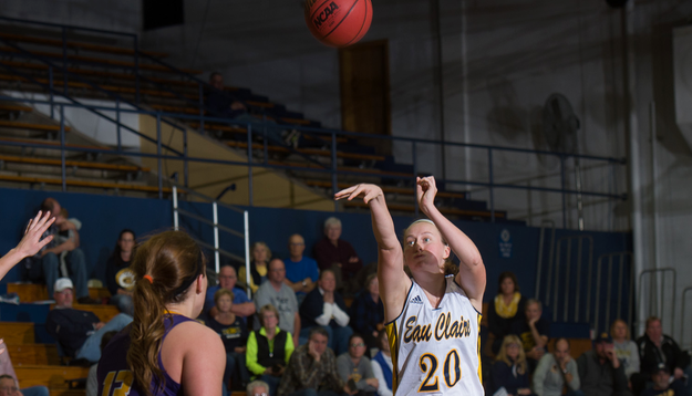 Women's Basketball shoots past Oles