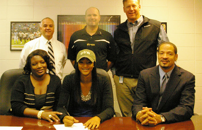 Lady 'Cane Basketball Signs 2013 Guard