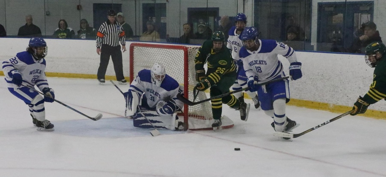 Wildcats Stopped 3-2 by Middlebury