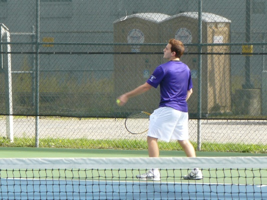 Senior Joe Morra rallied for a three-set victory at No. 3 singles to clinch the Royals' 5-4 victory over Drew on Thursday.
