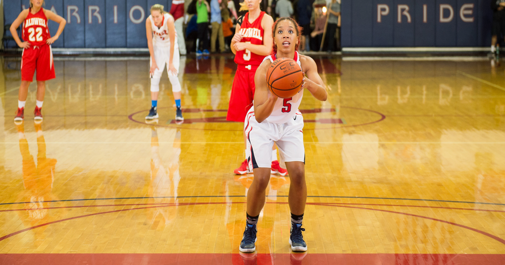 Women's Basketball opens season at Roberts Wesleyan Tournament