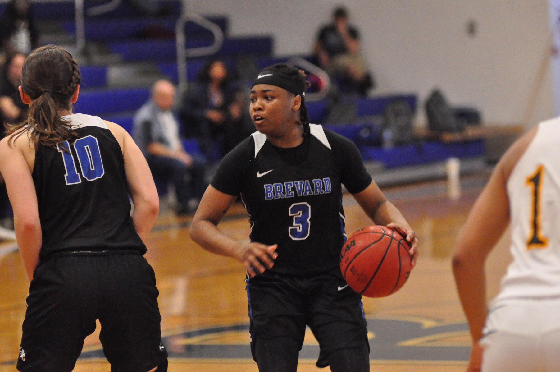 Women's Basketball Falls in the Final Seconds at William Peace