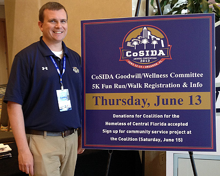 Gallaudet Sports Information Director helps colleagues get fit and philanthropic during CoSIDA Convention