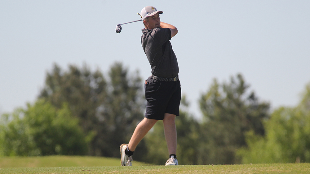 Golden Eagles eighth at OVC Championships with one round to play