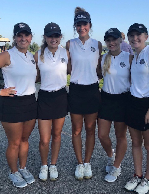 Lady Golfers Take 2nd at Sectional