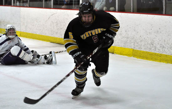 Hockey Holds Off Middlebury, 3-2