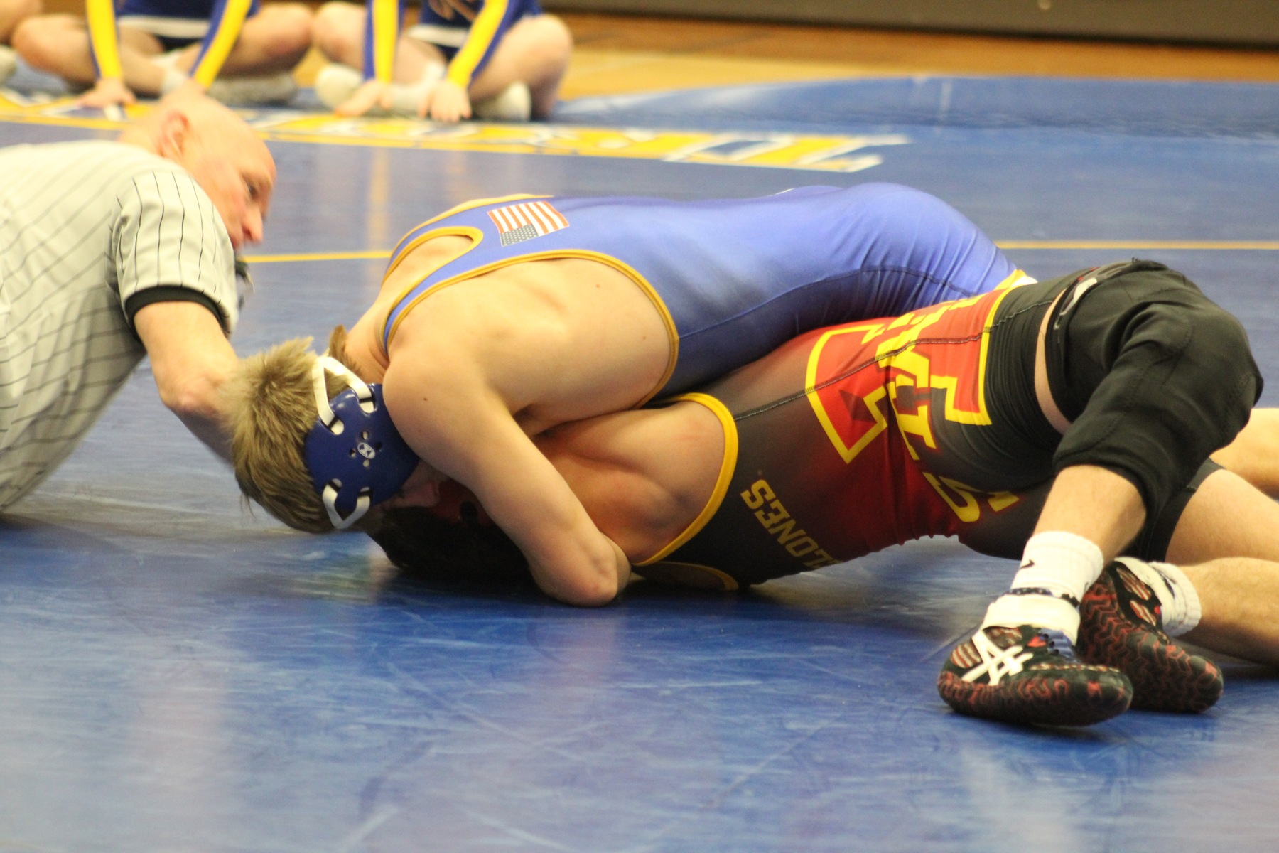 NIACC's Austin Anderly works for the fall against Iowa State's Sam Reyant in their 141-pound match Tuesday in the NIACC gym.