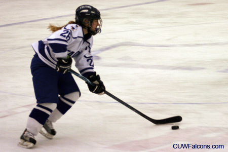 Women's Hockey fights to a draw against Hamline